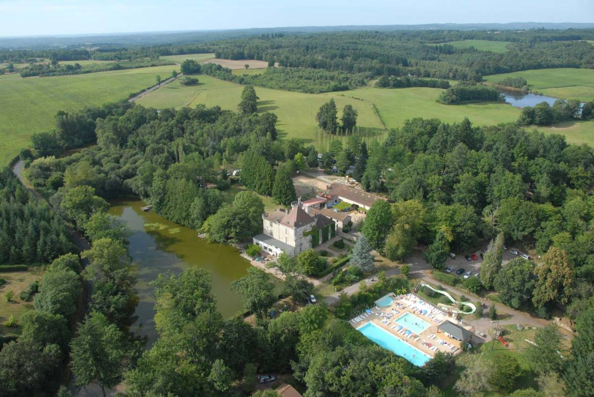 Safari tenten bij kasteel in de Dordogne