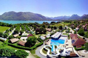 camping met zwemparadijs aan het meer van Annecy