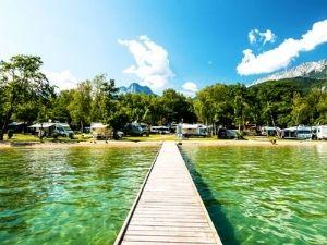5 sterren camping direct aan het meer van Annecy