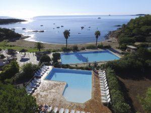 naturisten camping direct aan het strand op Corsica